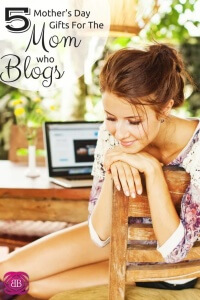 Do you have a blogger in your life? Then you need to check out these blogger gifts for the woman in your life!